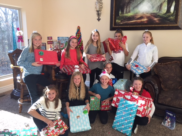 06 Elite Adopted a Family for Christmas